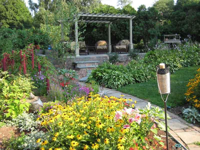 Masonry/concrete design for garden with a pathway leading through
